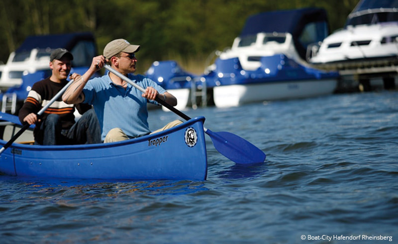 Bei Boat-City mit dem Kanu unterwegs