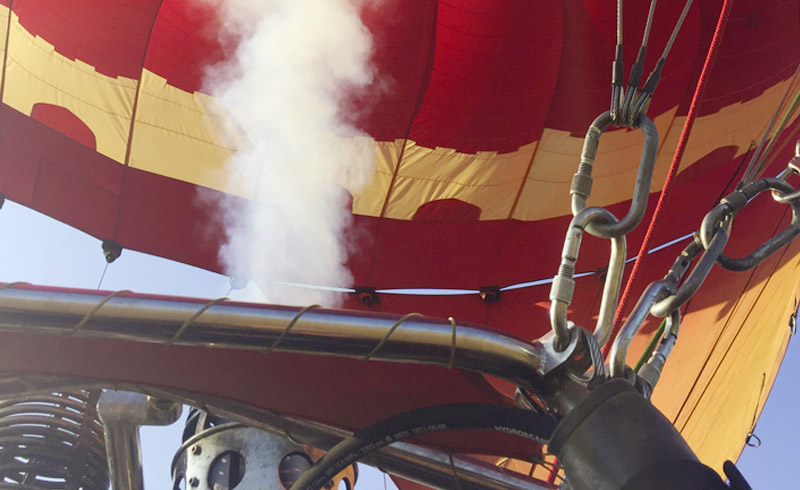 Das Fauchen beim Anheizen des Heissluftballons