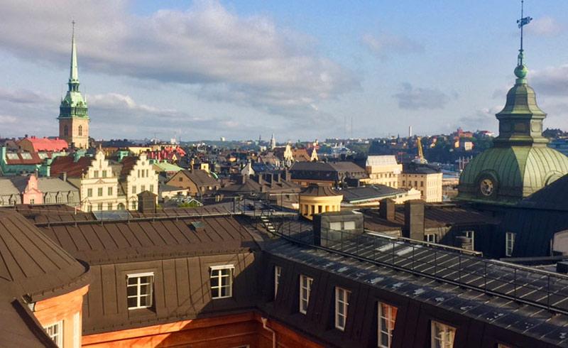 Stadtansicht Stockholm bei einer Dachwanderung (Takvandring)